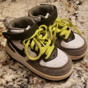 Nike High Top Sneakers Toddler SIZE 7.5